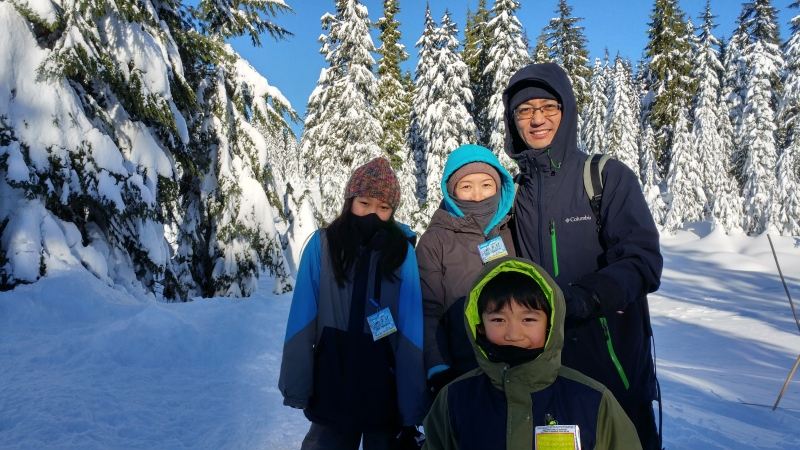 Lovely family! Thank you for bringing me to this place. We all enjoyed the snowshoeing for the first time. :)